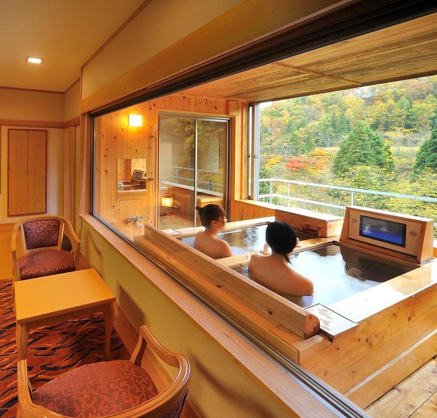 【東北】紅葉の秋。東北で美しい風景が愉しめる宿泊施設