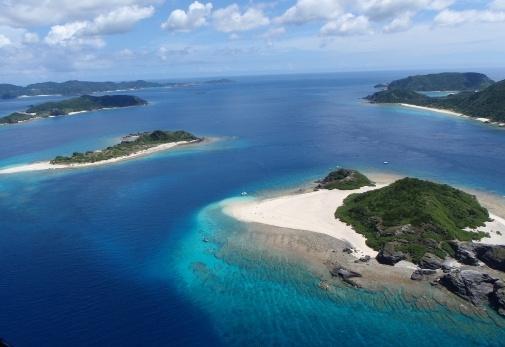 ケラマブルーへとダイビング!「沖縄 Diving Shop スイミー」でアクテビティ体験