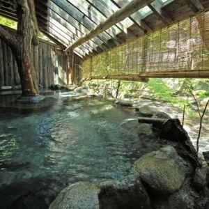 土方歳三や竹久夢二が滞在した歴史ある温泉旅館へ。福島「くつろぎ宿 新滝」に行こう