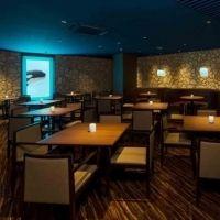 水族館でコースディナー!?  「大人のナイトステイ」で幻想的な世界を満喫