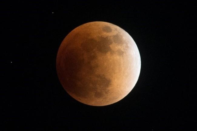 刻一刻と変わる月の様子を観察しよう!