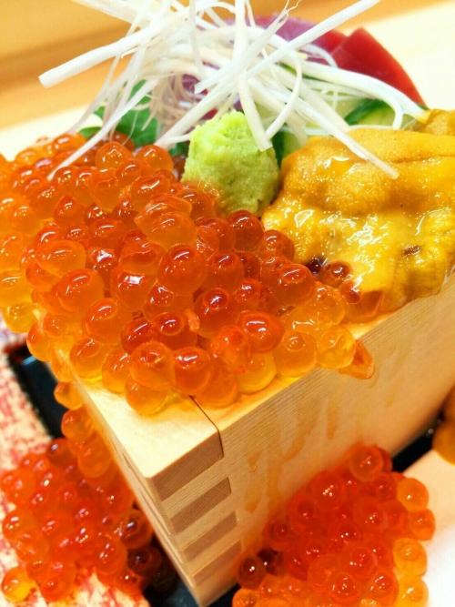 目玉メニューは目にも美味しいこぼれ寿司