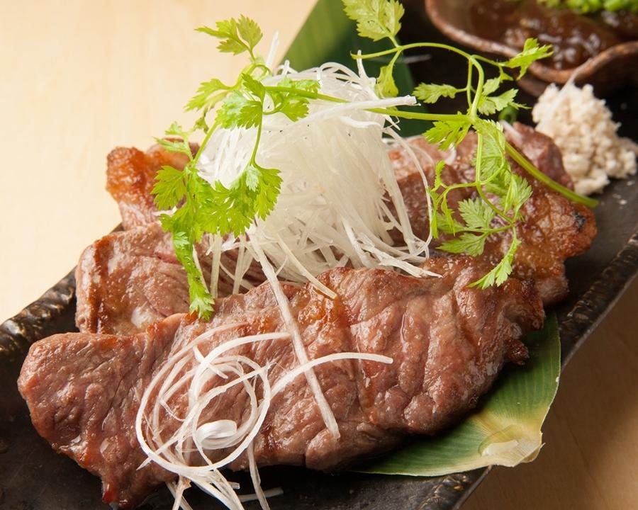 さすがは食材の宝庫。北海道の牛肉&鶏肉も旨し
