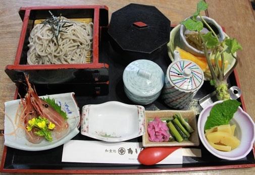 伊豆の山海の幸が食べたいなら!おすすめの「和食処 かの本陣」の魅力②本陣そば