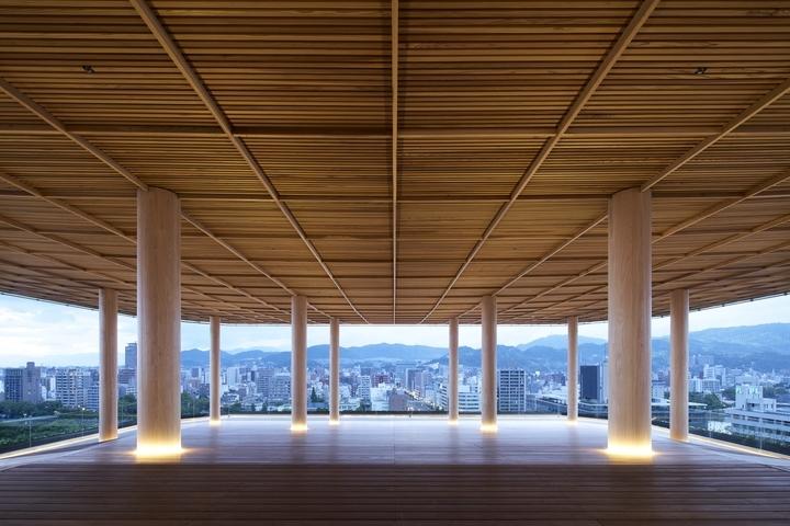 広島の新しい観光名所「おりづるタワー」が提案する滞在型展望台「ひろしまの丘」