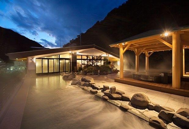 神奈川県・箱根湯本温泉「天成園」の魅力▶入りたい放題!大露天風呂