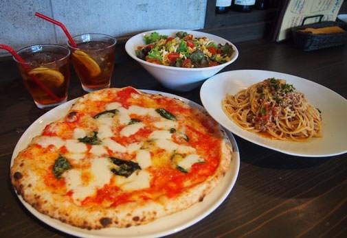シンプルな材料で本格的な味わい「Pizzeria Napoletana Bufalo」(沖縄)