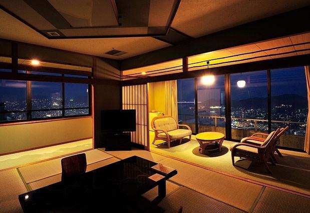 ロマンティックな滞在ができる「にっしょうかん 新館 梅松鶴」
