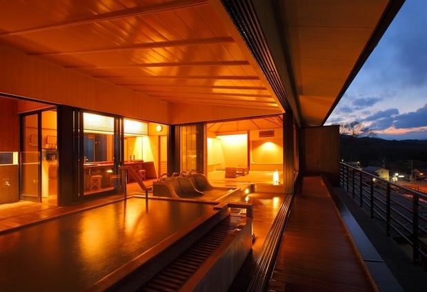 北関東最大級となる1,300坪もの湯殿をもつ 「ホテル木暮」