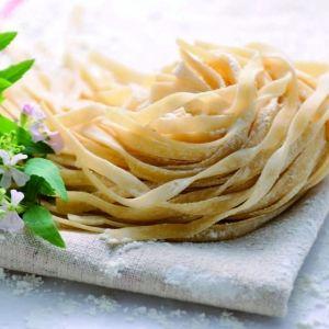 北海道「フタバ製麺」で作られる、日本人の味覚に合った生パスタ&手延べ素麺