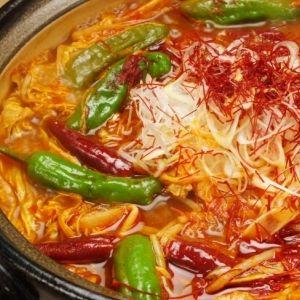 この辛さがたまらない! 関東圏内で味わえる激辛&激ウマのしびれ鍋3選その0