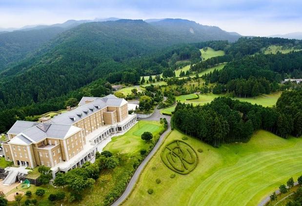 朝から晩まで思う存分ゴルフを堪能「湯ヶ島ゴルフ倶楽部&ホテル董苑」