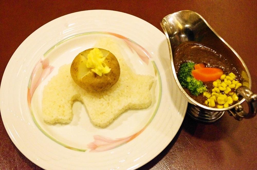 盛り付けも北海道を意識した「北海道野菜カレー」