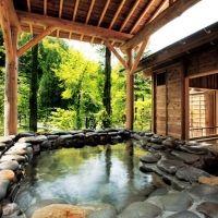 大自然に触れる旅。いつかは行きたい新潟県の「厳千宿」4選