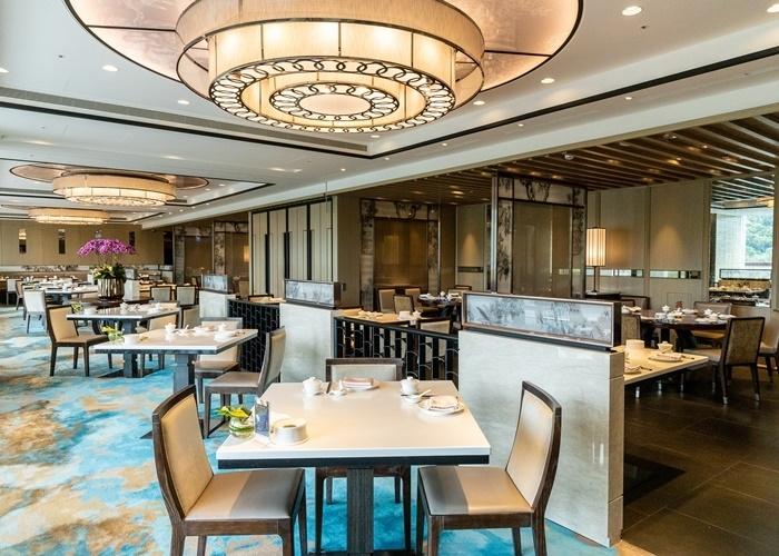 人気ビュッフェと広東風ダッグ、魅惑のレストランがお待ちかね。