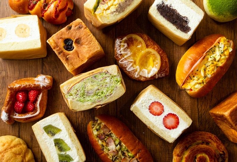 手作りパンの店「ハチドリベーカリー」もチェック