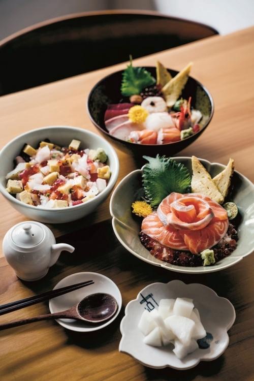 新鮮な海鮮を惜しみなく。お馴染みの海鮮丼を台湾で。