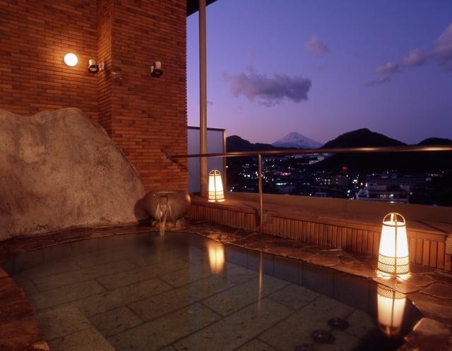 静岡県にある伊豆長岡温泉「三楽の宿 さかや」の魅力①一晩中入れる温泉