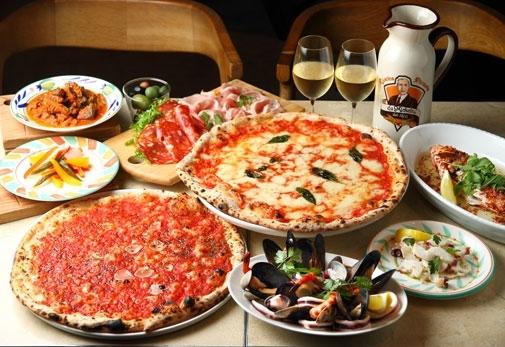 本格ピッツァが味わえる「ダ・ミケーレ」の魅力▶ナポリで行列ができる名店