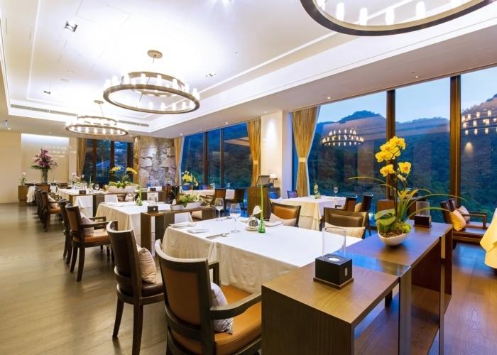 圧倒的な抜け感で眺望も最高! 期待が高まるレストラン