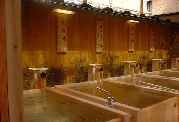 6つの源泉は「福六の湯」で入り比べ