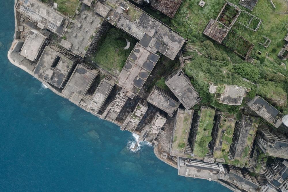 『奇界遺産』佐藤健寿の最新刊!廃墟の王「軍艦島」の写真集が発売その4