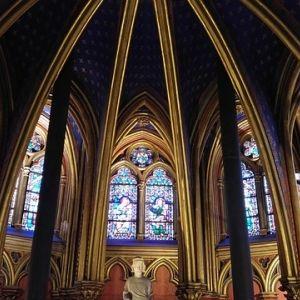息を呑む美しさ!パリ観光で絶対に行くべき「教会」とは