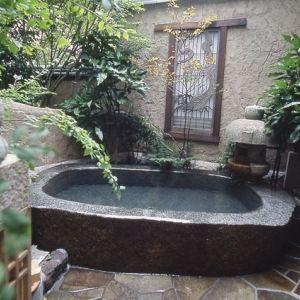 全客室露天風呂付き。優しい時間が流れる宿の4つのもてなしとは