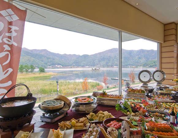 河口湖温泉「レイクランドホテル みづのさと」の魅力④河口湖の絶景を眺めながら味わうお食事