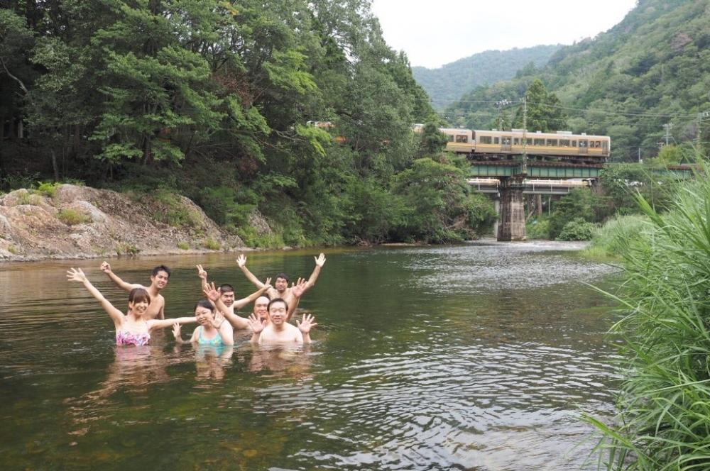 飯田線を見ながら川遊び