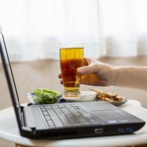 都内のホテルでオンライン飲み! 持ち込みにおすすめおつまみも。