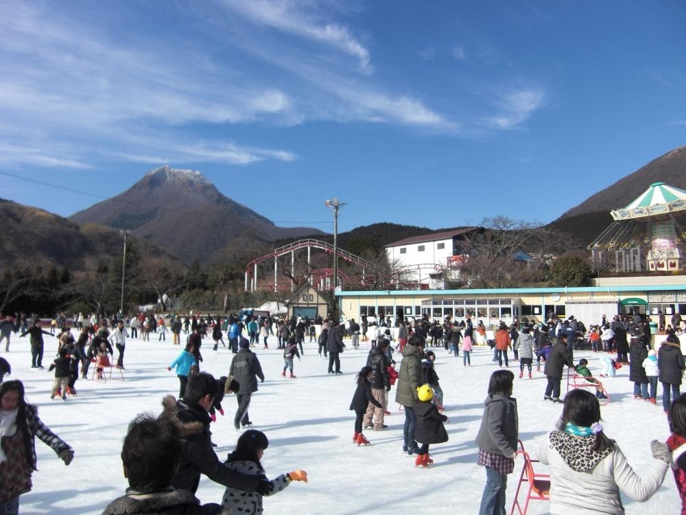 期間限定の屋外アイススケートリンクが楽しすぎる