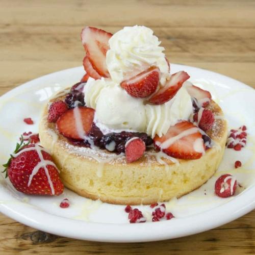 ベスト オブ パンケーキは「いちごベリーパンケーキ」