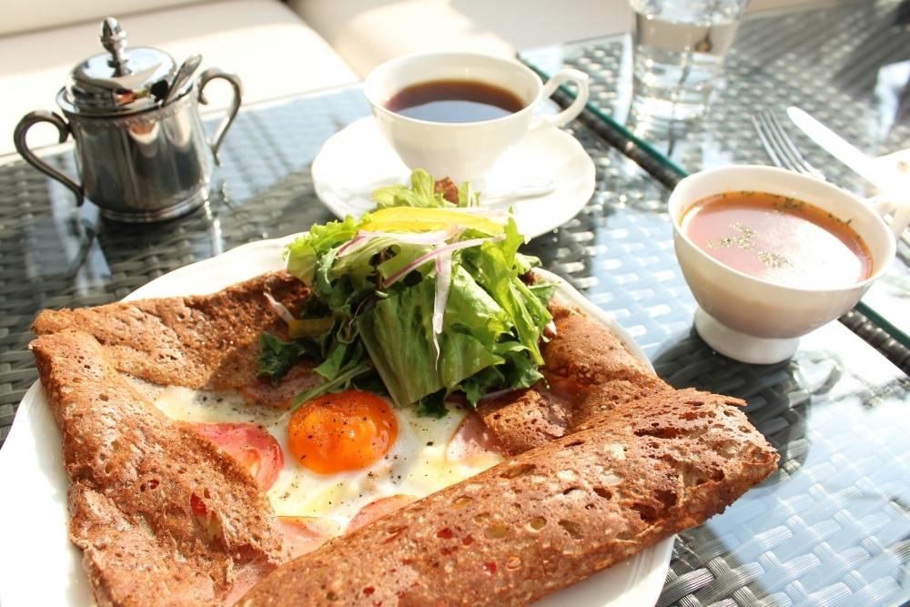 世界の逸品コスメと大人のカフェ。京都北山にリニューアルオープンその2