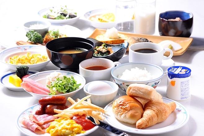 広島のご当地グルメも楽しめる人気の朝食バイキング