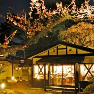 秋田県角館の旅の拠点にしたい、歴史を感じる「田町武家屋敷ホテル」