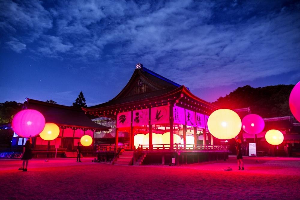 チームラボによる「下鴨神社」のイベントが今年も開催。世界遺産でアートを体感その2