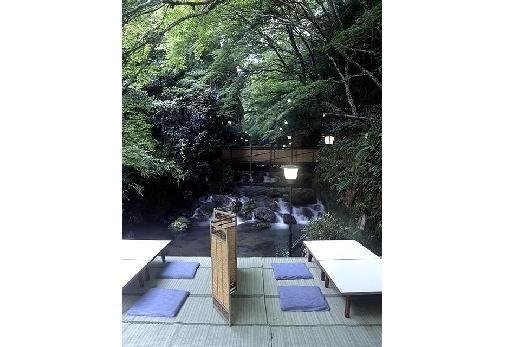 「貴船の川床」で京都ならではの優雅な時間が過ごす