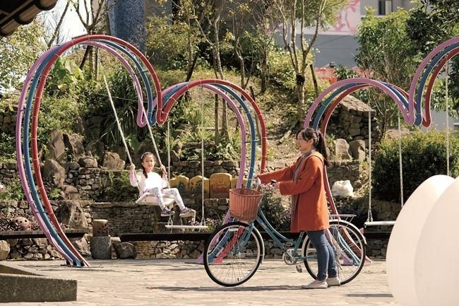 自転車旅行年にちなみ、サイクリングと農場DIYを楽しめるプランが登場。