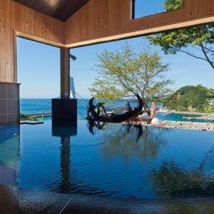 美景と美食に出合える場所。和歌山県の宿「漁火の宿シーサイド観潮」その0