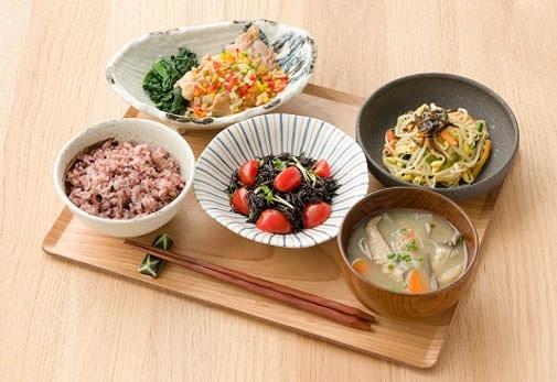 テイクアウトもOK! 働く人の健康を食事でサポートする「東京アスリート食堂 丸の内」