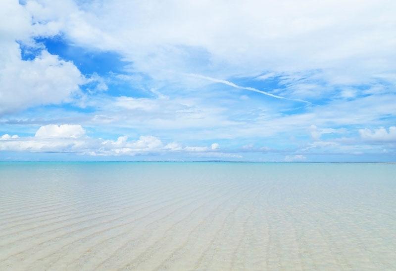 絶景ビーチに溶けこむ喜び、極上すぎてとろけます