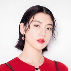 台湾出身ジェイ・チョウのMVに出演! 女優・三吉彩花さんが日本でお気に入りの場所とは?