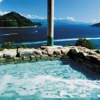 瀬戸内海の絶景を眺める。空と海の間に佇む感覚を味わえるホテルとは
