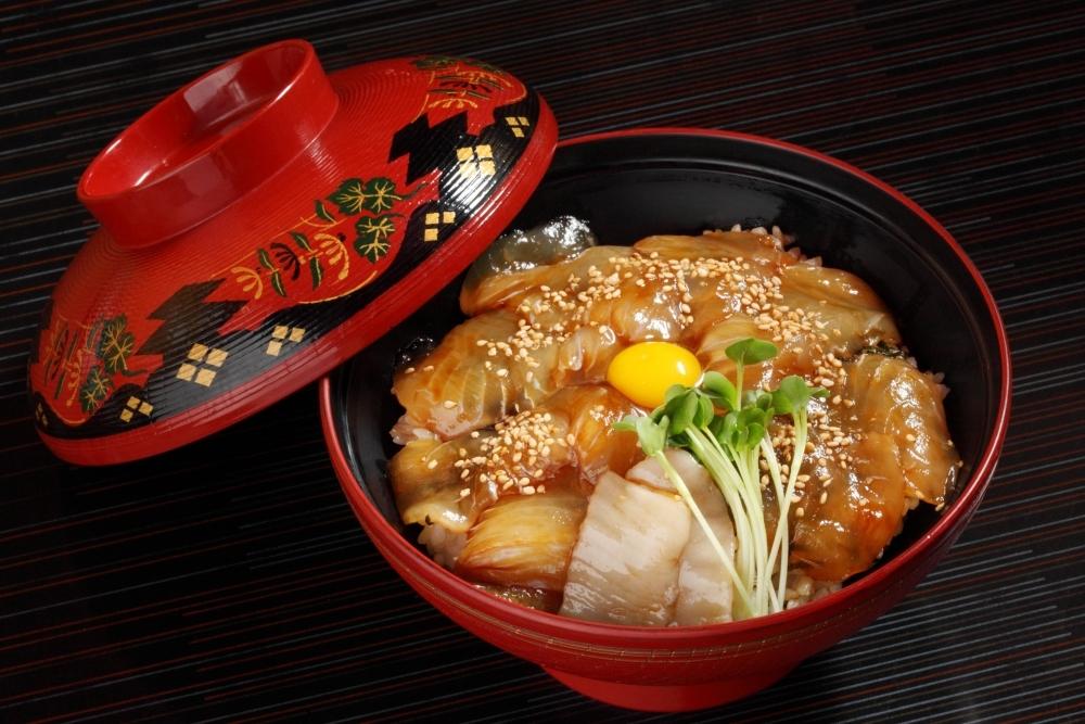 1日目:鰺ヶ沢ヒラメのヅケ丼をランチで堪能