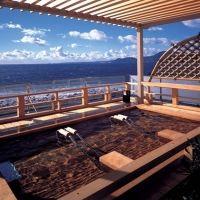 絶景露天風呂が自慢!16種の湯処をめぐる贅沢な滞在ができる宿