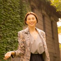 米倉涼子さんが晩秋の札幌をまち歩き【月刊旅色2021年11月号】