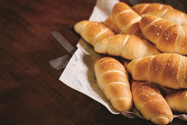 ブランチ用に用意されたパンは、好きなだけいただけます。