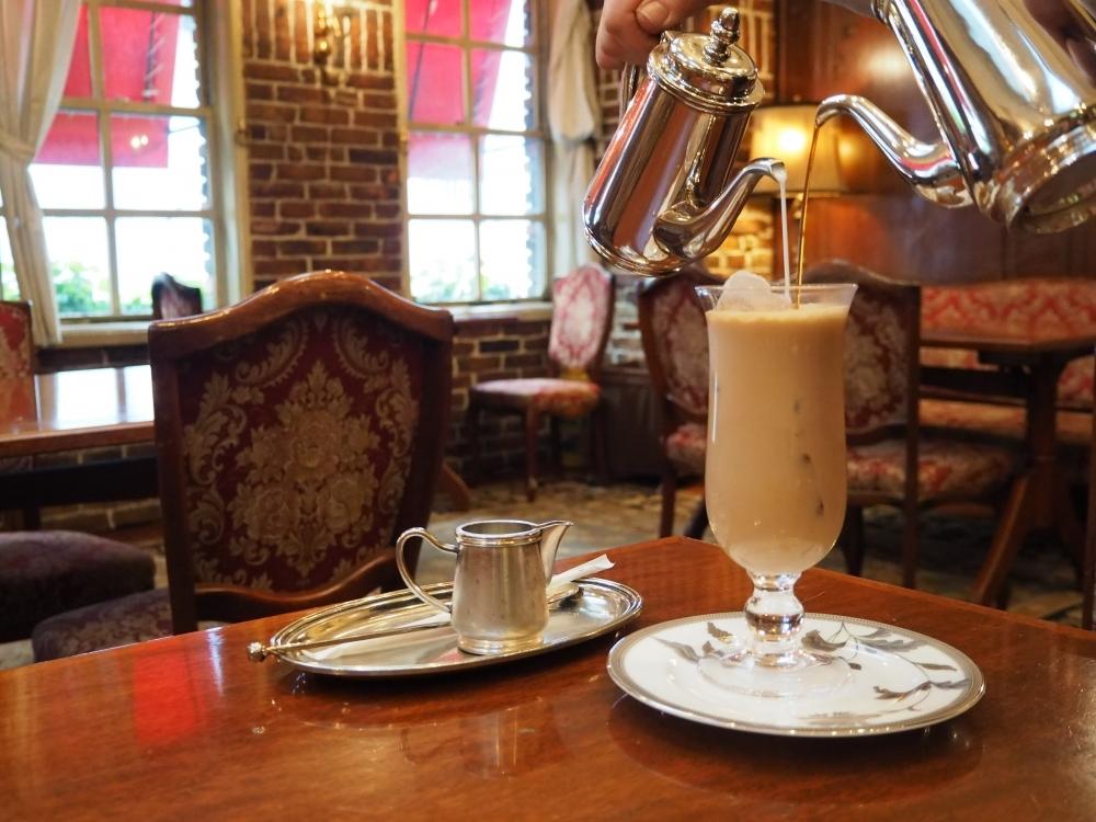 ヨーロッパ風の空間で優雅なカフェオレタイムを