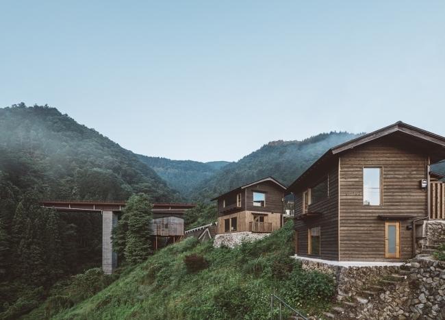 村に点在する空き家を宿泊施設にリノベーション。今の時代にマッチした新しい宿泊モデル